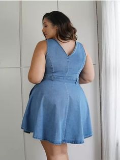 Big Size Fashion, Curvy Girl Fashion, Womens Fashion, Curvy Women Outfits, Clothes For Women, Plus Sise, Chic And Curvy, Modelos Plus Size, Fancy Blouse Designs