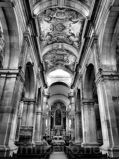 LAMEGO (Portugal): Nave central da Sé Catedral.