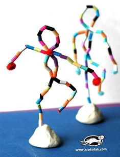 I takt med personliga mål, framåt att önska!Bead or colored straw sculpture formsKinderaktivitäten, mehr als 2000 Malvorlagen - KunstStatues using pipe cleaners, beads and claymight a great idea instead of the foil figures? Or is this an armature Projects For Kids, Diy For Kids, Diy And Crafts, Crafts For Kids, Arts And Crafts, Straw Art For Kids, 3d Art Projects, Children Crafts, Classe D'art