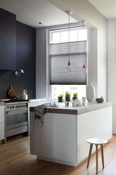 Love gray and white , http://www.interiordesign-world.com/kitchen/love-gray-and-white/