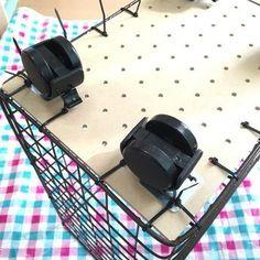 工具不要!セリアの材料600円でキャスター付きワイヤーラックが完成☆|LIMIA (リミア)