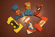 Each cookie with royal icing and a small amount of colored decorator sugars. Fun Cookies, How To Make Cookies, Decorated Cookies, Sugar Cookies, Avengers Birthday, Superhero Birthday Party, 4th Birthday, Birthday Parties, Superman Cookies