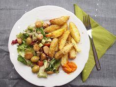 Kartoffelwedges und Gemüse, Mittagessen bei Isabel
