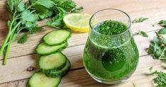 Uhorkové detoxikačné smoothie  - dôkladná príprava krok za krokom. Recept patrí medzi tie najobľúbenejšie. Celý postup nájdete na online kuchárke RECEPTY.sk. Jus Detox, Nutrition, Smoothies, Pickles, Cucumber, Vegetables, Food, Hui, Fitness Foods