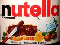 Décryptage de produits de tous les jours : le Nutella Sucre, huile végétale, noisettes 13 %, cacao maigre 7,4 %, lait écrémé en poudre 6,6 %, lactosérum