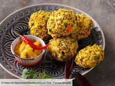 Découvrez la recette de Boulettes de quinoa et légumes à l'indienne avec Femme Actuelle Le MAG