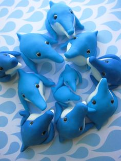 Dolphins Cupcake Toppers by mimicafe Union http://mimicafeunion.blogspot.com