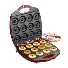 VonShef Deluxe 12 Hole Electric Mini Donut Maker Snack Machine Red ** You can find more details by visiting the image link. (This is an affiliate link) Mini Donuts, Baked Donuts, Donut Muffins, Doughnuts, Dessert Makers, Cake Makers, Mini Kitchen, Kitchen Dining, Kitchen Stuff