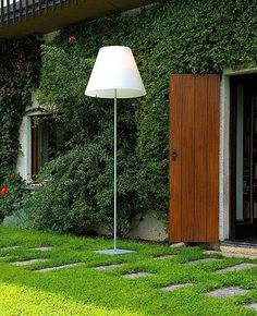 Grande Costanza Open Air Outdoor floor lamp #modern #outdoorlighting #floorlamp  I will be buying this for Raphaels back yard