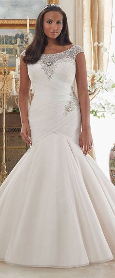 Stunning Organza Scoop Neckline Mermaid Plus Size Wedding Dresses With Beaded Embroidery