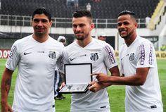 Veja 46 belas imagens da linda vitória Santista por 3 a 1 pra cima do Goiás aqui... http://futebolcomarte.wix.com/santos-futebol-arte#!imagens-de-santos-3-x-1-gois/ct0w ... Não percam !!!