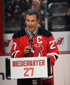 Scott Niedermayer speaks to the Devils fans during his retirement banner ceremony.