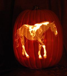 Halloween is just around the corner and it's time to plan your Jack-o-Lantern and grab your pumpkin. Diy Halloween, Holidays Halloween, Halloween Pumpkins, Halloween Decorations, Happy Halloween, Halloween Foods, Halloween 2018, Fall Decorations, Halloween Stuff
