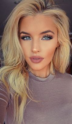 Natural + Contouring + Nude Lips + Blue Waterline + Lashes