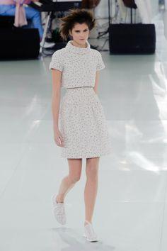 Couture Spring/Summer 2014 • Chanel www.rendezvousdelamode.com #haute #couture #hautecouture #2014 #Chanel #Lagarfeld #Paris #fashion #women #style #womenfashion #catwalk #fashionshow #rendezvous