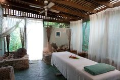 What To Do After Your Massage Treatment Massage Room Design, Massage Room Decor, Massage Therapy Rooms, Ariana Grande, Outdoor Spa, Indoor Outdoor, Reiki Room, Spa Massage, Facial Massage