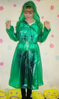 Vinyl Raincoat, Plastic Raincoat, Pvc Raincoat, Plastic Pants, Hooded Cloak, Hooded Dress, Plastic Mac, Green Raincoat, Latex Babe