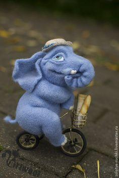 Spielzeugtiere, handgefertigt. Messe Masters - handgefertigte Elefant. Handmade.