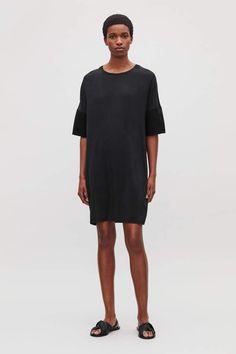 d5872281b3 Cos SILK-JERSEY T-SHIRT DRESS Skirt Outfits