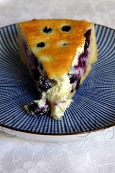 Norwegischer Blaubeer-Käsekuchen [Springform, 20 cm] Crepe Recipes, Lemon Recipes, Fun Cupcakes, Amazing Cupcakes, Scandinavian Food, Baking Party, Christmas Sweets, Coffee Cake, Brownies