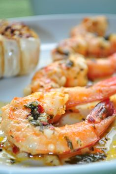 Grilled Spicy Garlic Shrimp: 1 pound Louisiana Shrimp, deveined, tails left on 1 stick cold butter 1 teaspoon Mrs. Dash, Original 4 garlic cloves, roughly chopped 1 teaspoon red pepper flakes Juice of 1 lemon Grilling Recipes, Fish Recipes, Seafood Recipes, Great Recipes, Cooking Recipes, Healthy Recipes, Recipies, Grilling Tips, Cooking Time
