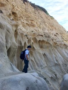 Hiking to Black's Beach via Ho Chi Minh Trail in San Diego – Pearls of Jasmine San Diego Hiking, San Diego Travel, San Diego City, San Diego Beach, Places To Travel, Places To See, Storm London, Ho Chi Minh Trail, Scenic Photography