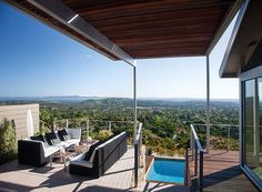Houzz Tour: A Luxurious 3500 sq ft Santa Barbara foothills' Home Embraces the Landscape
