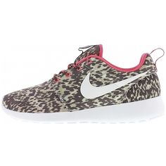De Rosherun de perfecte sneaker. Met bruin en beige frog camouflage canvas upper. De Nike Rosherun heeft een kleine Nike fit neem een halve maat groter. 35601 - Dames X-KDS.com Online de BESTE merken.