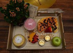 $ 50.000   Planta natural, Torta casera, Batido de frutos rojos, …