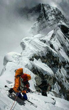 Ski et snowboard pas cher Ski Extreme, Extreme Sports, Ski Et Snowboard, Snowboarding, Ice Climbing, Mountain Climbing, Mountain Biking, Everest Mountain, Sport Climbing