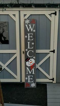 Tall Snowman Porch Sign- snowflake for o Christmas Wood Crafts, Pallet Christmas, Christmas Signs Wood, Holiday Signs, Outdoor Christmas, Christmas Projects, Christmas Crafts, Christmas Decorations, Christmas Front Porches