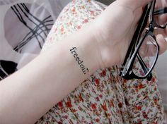 Find images and videos about tattoo, hand and freedom on We Heart It - the app to get lost in what you love. Wrist Tattoos, Small Tattoos, Tatoos, Book Tattoo, Tattoo Quotes, Henna Designs, Tattoo Designs, Tattoo Ideas, Freedom Bird Tattoos