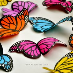 paper butterflies template - classroom decoration idea? Counting activity? Colour sorting game?