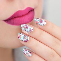 Ombré lips & hand painted floral nails for #WNAC2015 with Essie Find Me An Oasis | Lacquerstyle.com | kgrdnr | #lacquerstyle #kgrdnr #nailart #nailartist #artist #art #handpainted #freehand #nails #essie #ombre #ombrelips #katvond #bauhau5 #backstagebambi #vampira #liquidlipstick #lipstick #gradient #gradientlips #lips #makeup #nailpolish #floralnails #flowers #rosenails #roses #florals #love #beautiful