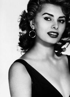 Old hollywood beauty, Sophia Loren