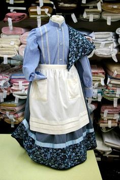European Dress, Basque Country, Historical Costume, Apron, Denim, Sewing, Blouse, Jackets, Clothes