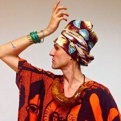 Dudu Bertholini acaba de voltar de uma viagem de duas semanas da África, onde participou da Angola Fashion Week e se aventurou em safáris http://glamurama.uol.com.br/dudu-bertholini-apos-viagem-a-angola-eles-tem-uma-elegancia-natural/