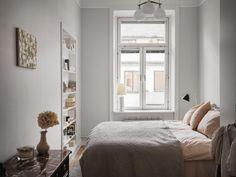 Historiska hem Bedroom Retreat, Inside Outside, Scandinavian Interior, Old Houses, Rum, Pergola, New Homes, Couch, Furniture