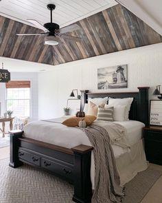 stunning magnolia homes bedroom design ideas for comfortable sleep 00022 ~ Beautiful House Bedroom Furniture, Bedroom Decor, Bedroom Ideas, Home Bedroom Design, Small Master Bedroom, Master Suite, Bed Lights, Bedroom Ceiling, Magnolia Homes