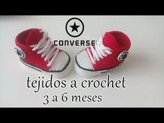 converse tejidos a crochet - bebe - ALL STAR Knitted Booties, Knit Shoes, Crochet Baby Booties, Crochet Slippers, Crochet Toddler, Crochet Bebe, Converse Rouge, Crochet Converse, Crochet Patron