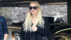 Ashlee Simpson Shows Off Her Post-Baby Figure in a Breezy Black Lace Dress
