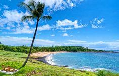 Going to Hawaii in + Hawaii Desk Calendar Giveaway! - Go Visit Hawaii Visit Hawaii, Desk Calendars, Hawaii Travel, Giveaway, Golf Courses, Island, Mountains, Desktop Calendars, Desk Pad Calendar