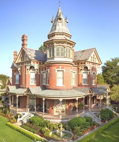 Huge, majestic Hornibrook Home, aka The Empress of Little Rock, 1888. Loads of impressive architectural detail, including jutting out gables at the top of the tower, and I love the birdbath fountain out front.