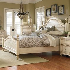 The Chateau Poster Bed by Standard Furniture has a casual inviting feeling with its smoothly arched crowns and deep picture frame moldings. It is constructed of quartered cherry veneers, Asian hardwood solids and some engineered products. The finish is a Bedroom Furniture Sets, Design Furniture, Bed Furniture, Bedroom Decor, Master Bedroom, Bedroom Ideas, Master Suite, Furniture Stores, Antique White Bedroom Furniture