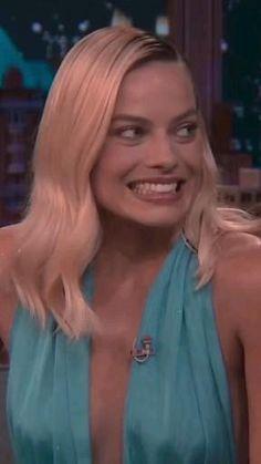 Actriz Margot Robbie, Margot Elise Robbie, Margot Robbie Harley Quinn, Harley And Joker Love, Harley Quinn Cosplay, Joker And Harley Quinn, Morgot Robbie, Hyuna Photoshoot, Hollywood Video