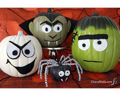 100 No Carve Pumpkin Decorating Ideas. The best pumpkin painting ideas for Halloween and fall no carving required! Easy no carve pumpkins Spooky Halloween, Humour Halloween, Holidays Halloween, Halloween Pumpkins, Halloween Crafts, Holiday Crafts, Holiday Fun, Halloween Decorations, Happy Halloween