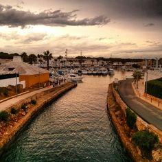 Port de Cala'n Bosch. Menorca Cala N Bosch, Railroad Tracks, Places Ive Been, Spain, To Go, Peace, Earth, Holiday, Travel