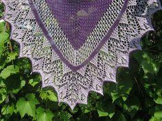 Hand Knitting Lavender/Purple Triangular Lace от LaceShawlsWorld