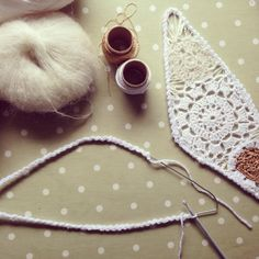 How to make crochet fairy wings - pattern on etsy as soon as it's finished! https://www.etsy.com/listing/164434590/crochet-fairy-wings-pdf-pattern