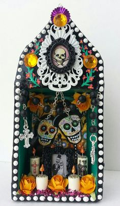 Hey, I found this really awesome Etsy listing at http://www.etsy.com/listing/165491028/day-of-the-dead-couple-miniature-altar